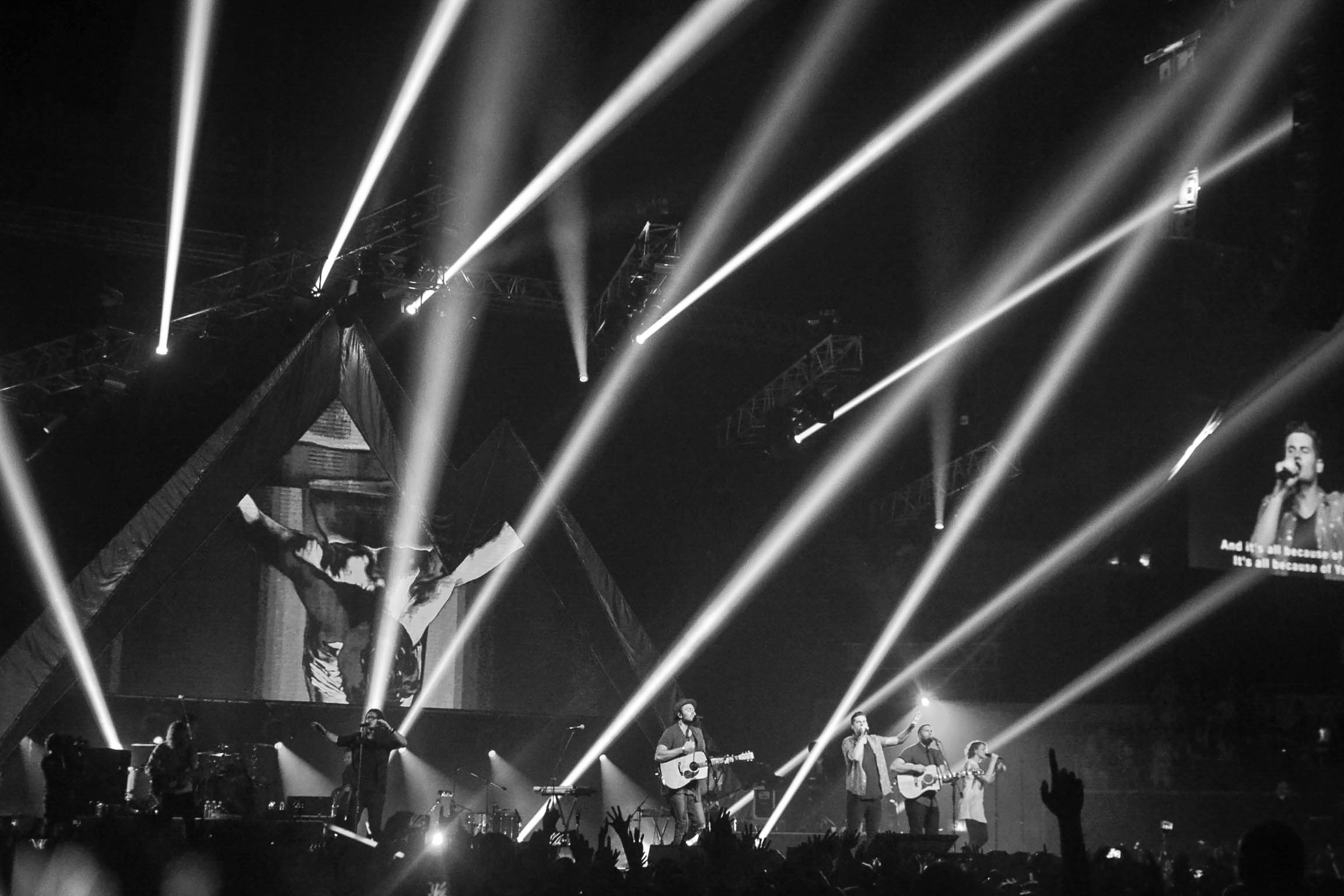 Welcoming Zion: Hillsong United Live in Manila 2014   ARABY